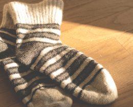 Kademeli varis çorabı